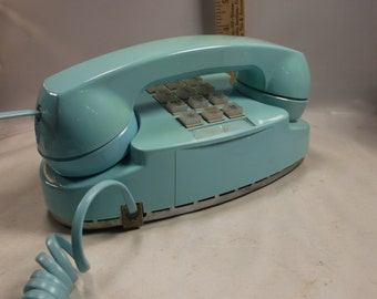 Retro Turquoise Blue Princess Push Button Telephone By A T T Electric For Bell System.epsteam