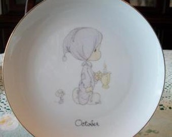 Precious Moments plate OCTOBER JONATHAN DAVID 1983 Boy Mouse