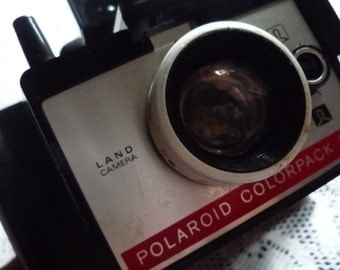 Vintage Polaroid camera Colorpack 80 land camera 1971 - 1976