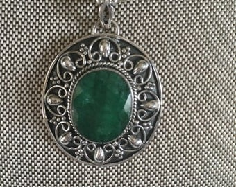 Emerald Gemstone Pendant Necklace in Sterling Silver Design NEW