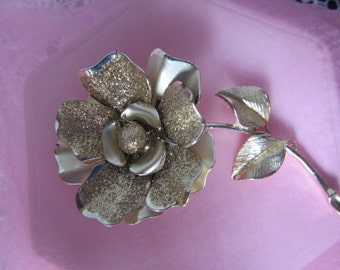 vintage CORO Gold tone FLOWER with Stem Pin Brooch with textured petals  ** Jewelry