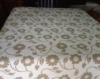 60x72 table cloth