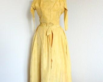 SALE - VTG 50s Gold Floral Brocade Hourglass Wiggle Evening Dress Detachable Skirt - S
