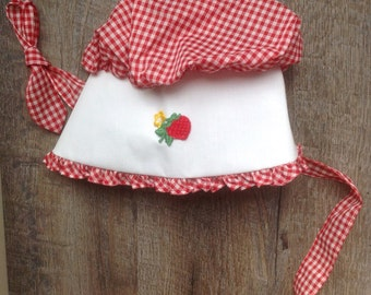 Child's Vintage Bonnet, Red White Checked Bonnet, Gingham Bonnet, Vintage Bonnet, Strawberry Bonnet, Prairie Colonial Bonnet, 3T, VHIS Team