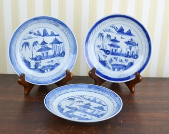 Set of 3 Vintage Chinoiserie Plates