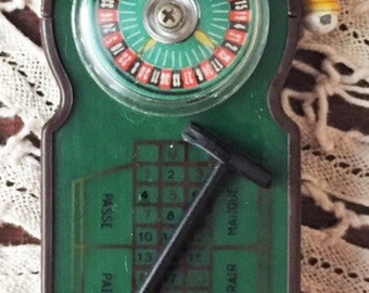 Roulette wheel lighter