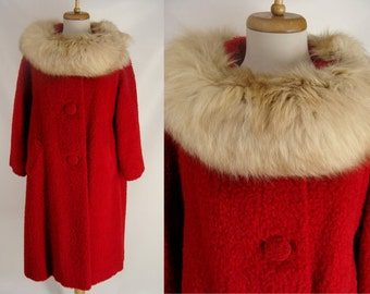 Stunning Vintage 1950s Red Wool Boucle and Mink or Fox Fur Collar Christmas Dress Coat with 3/4 sleeves Size M L