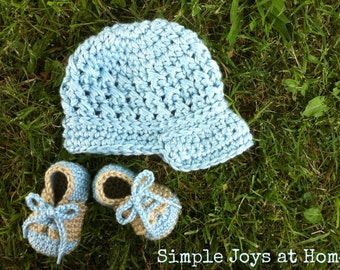 The Aaron Set {The Baby Project} Baby Blue and Tan Crocheted Hat and Shoe Set // Infant Boy Set // baby shower Gift // Photo Prop