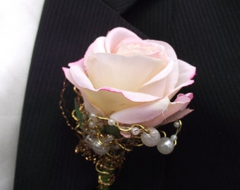 Wedding boutonniere, blush pink and gold boutonniere, prom boutonniere, pearl wedding, rose buttonhole, gold wedding flowers, prom flowers