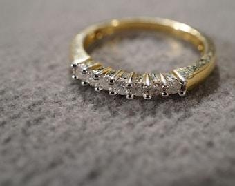 Vintage 10 K Yellow Gold 7 Round Prong Set Diamond Stacker Style Wedding Band Ring, Size 7    **RL