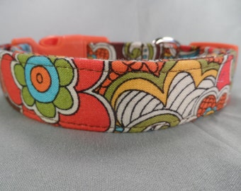 Mod Flower Power Brown Dog Collar