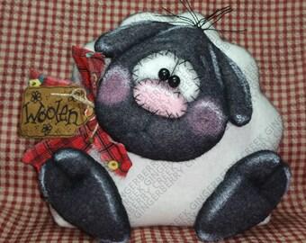 Little Woolen Lamb Pattern #175 - Primitive Doll/Ornie Pattern