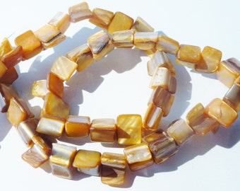 D-04500 - 1 Strand Mother of pearl chip beads ca. 45 pieces
