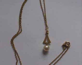 vintage pearl drop pendant and chain