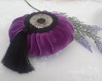 Round Lavender sachet,velvet sachet,metal round,purple sachet,black tassel,cord,dried lavender,wedding favor,home decor