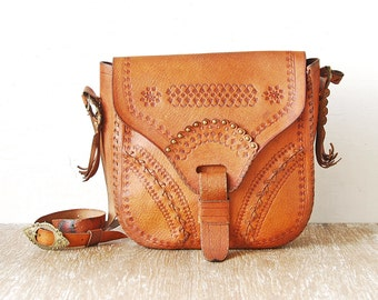 80s Leather Tooled Purse, Vintage Tooled Leather Handbag, Woman Crossbody Bag, Leather Brass Retro Lady Purse