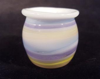 Small encalmo container