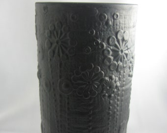 Rosenthal studio-line Germany. Porcelain flower vase. Black porcelain vase. Porcelaine Noire. Martin Freyer. Height approx 16 cm. VINTAGE