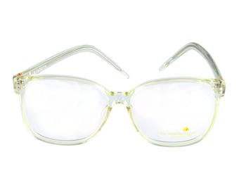 Liz Claiborne Eyeglasses LC 21 CR Crystal 58-16-140 Made in Hong Kong