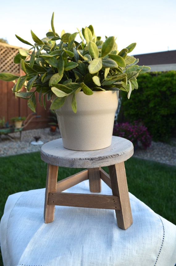 Milking Stool Garden Plant Stand Farmhouse Style
