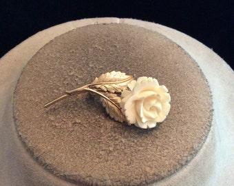 Vintage Goldtone & Off White Floral Pin
