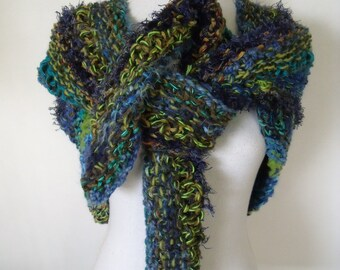 thick triangle stole in blue and green (220 cm/55 cm)