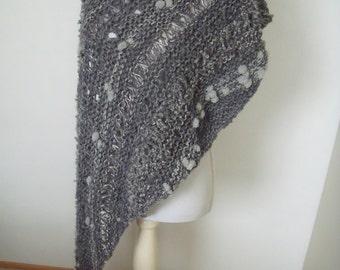 grey polka dot stola (200 cm x 50 cm) with glitter effect