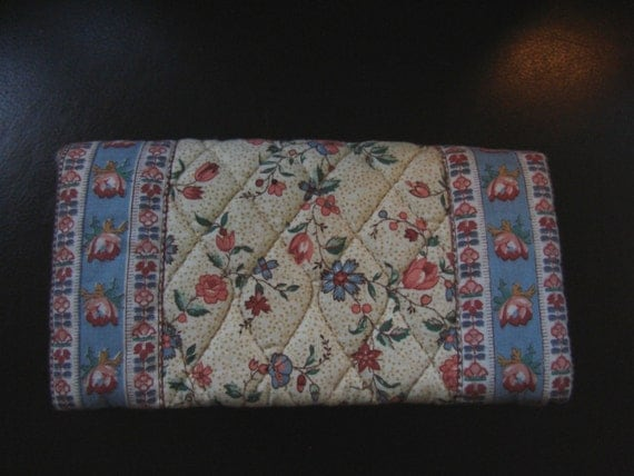 Cheque Book Cover Pattern : Vera bradley retired cream pattern check book cover mint