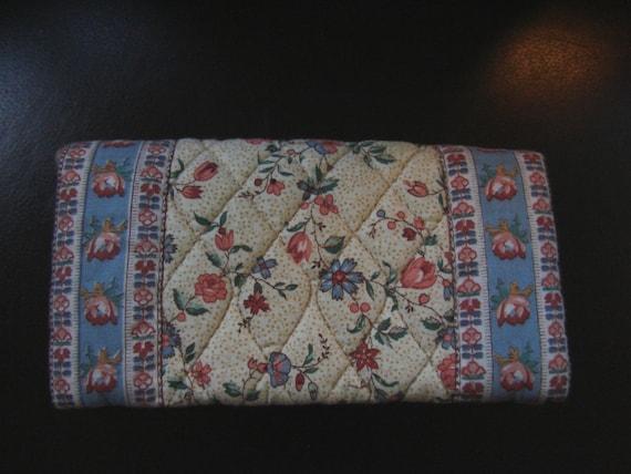 Cheque Book Cover Pattern ~ Vera bradley retired cream pattern check book cover mint