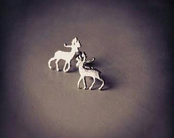 """Nails """"deer"""" silver plated earrings."""