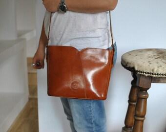 Vintage MESSENGER LEATHER bag women's leather bag .....(162)