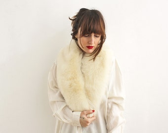 Gorgeous Ivory Large Fox Fur Collar, Off White Fur Scarf from the 40's