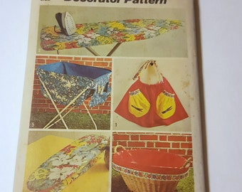 Laundry Room Accessories / Vintage Home Decor Pattern / 1970's Apron Pattern Ironing Board Cover / Vintage Simplicity