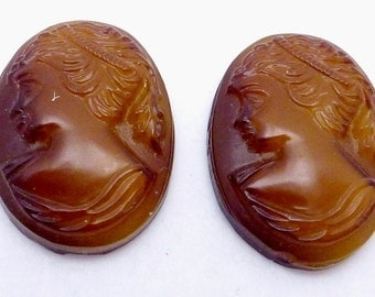 Vintage 1920s Czech Glass Amber Tiger Eye Look Pair of Small Cameo Cabs 21736