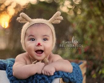 Reindeer Baby Bonnet, Crochet Reindeer Bonnet, Baby Bonnet with Antlers, Christmas Reindeer Bonnet, Reindeer Character Hat, Reindeer Costume