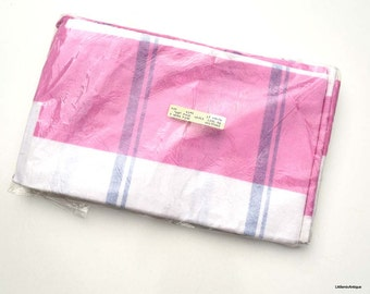 Vintage 2 Unused Flannel 100 % Cotton Pillow Cases in Original Packaging. Made in England