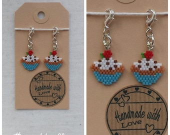 Set of two cute little cupcake stitchmarkers/charms handmade and original