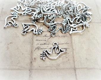 6 x Antique Silver Dove & Mistletoe Charms