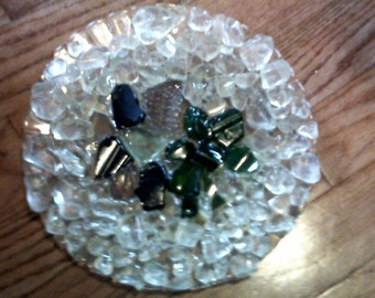 """8.25 INCH """"diamond"""" and """"emerald """"look decorated plate"""