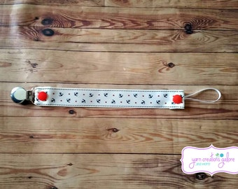 Soothie Pacifier Holder- Cream Colored with Dark Blue Anchors
