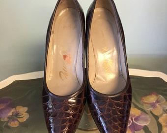 1960's Vintage Palizzio Crocodile Embossed Leather Pumps/Leather Crocodile Embossed Shoes