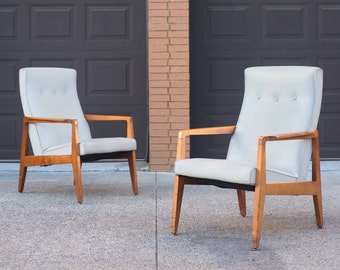 Pair of Mid Century Blond Maple Lounge Chairs
