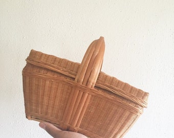 Vintage Wicker Lunch Basket