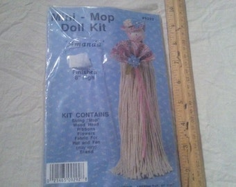 Doll kit, mini mop doll kit