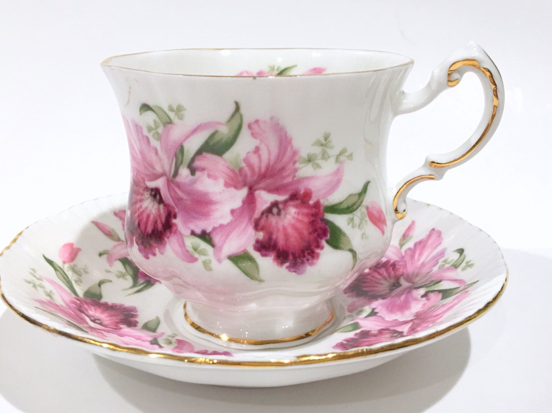 paragon tea cup and saucer english bone china cups tea set. Black Bedroom Furniture Sets. Home Design Ideas