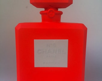 "Chanel No.5 ""Fluorescent Red"" parfum"