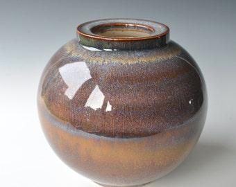 Budvase in porcelain