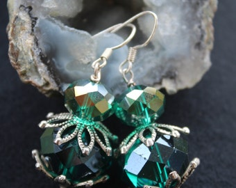 Spectacular Green Czech Earrings, Great For The Holidays!!!