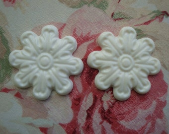 Rosette Medallion Applique 2 pc. Furniture Decor Shabby Cottage Chic Vintage