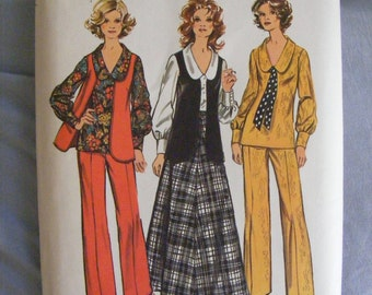 1970's Simplicity Sewing Pattern 5302 Misses' Blouse Vest Skirt Pants Size 14 Bust 36""